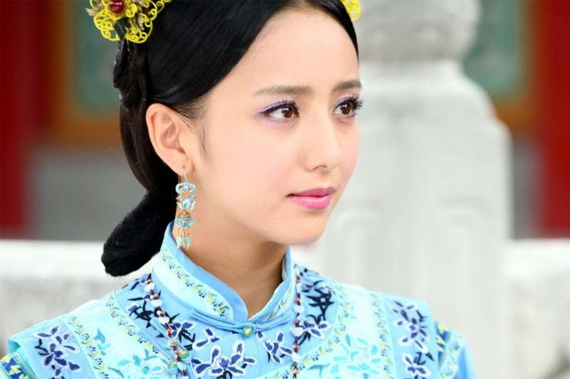 Nữ diễn viên xinh đẹp Đồng Lệ Á