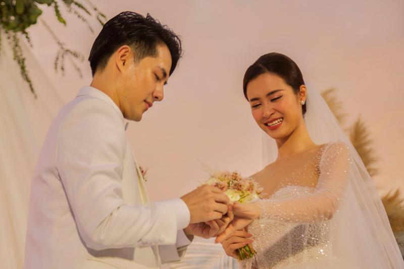 Top 8 Cặp đôi được yêu thích nhất showbiz Việt - Toplist.vn