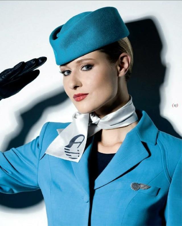 Đồng phục màu xanh dương mát mắt và thanh lịch
