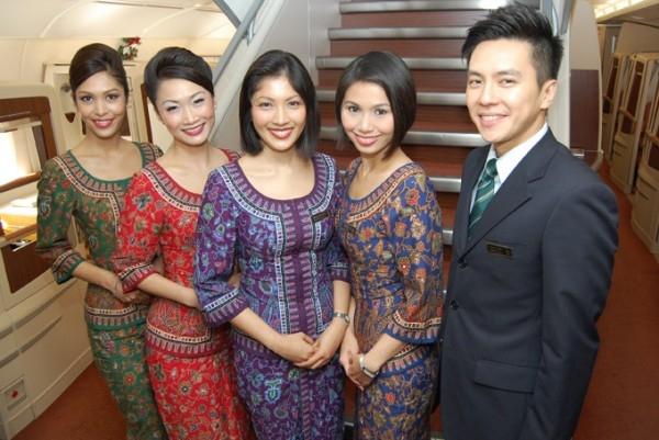 Đồng phục tiếp viên hàng không của Singapore airlines mang nét truyền thống