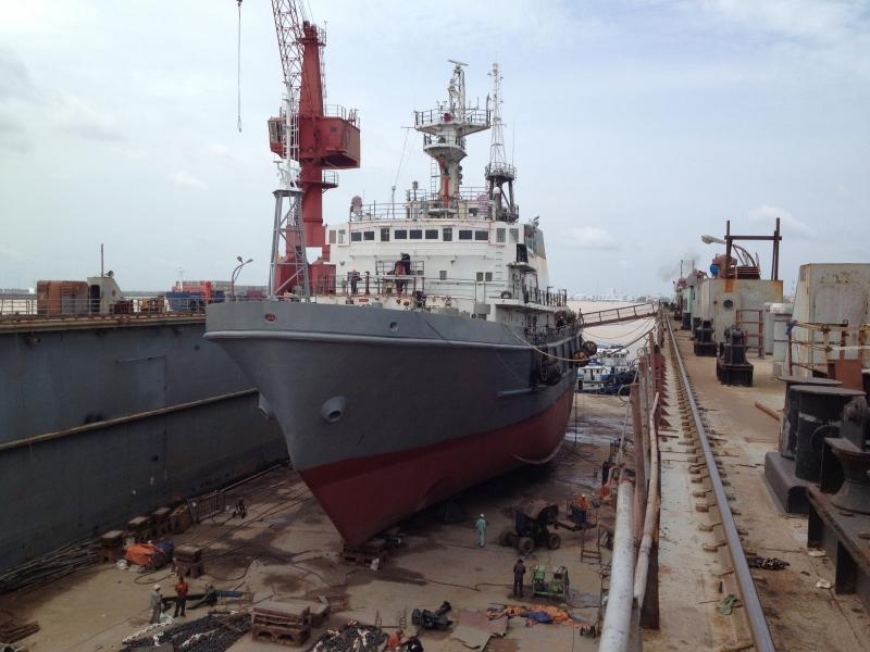 Đóng và sửa chữa tàu biển