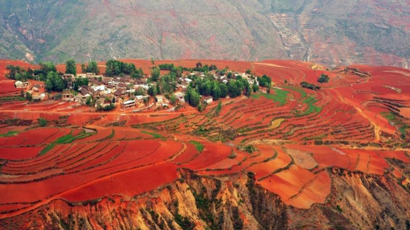 Vùng đất đỏ đẹp mắt Đông Xuyên