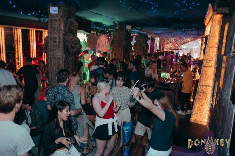 Donkey Sport Bar