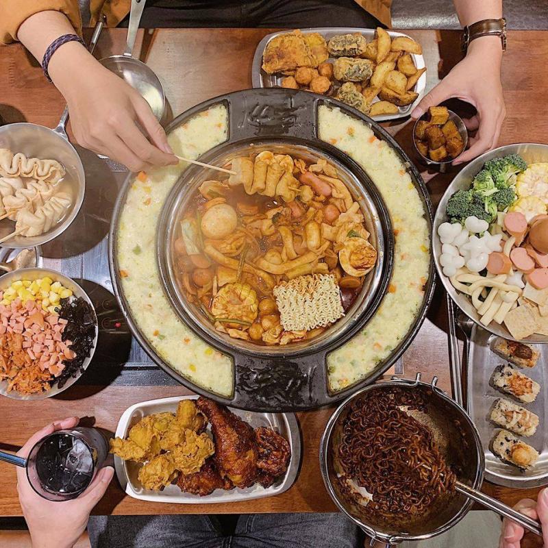 Buffet lẩu tokbokki