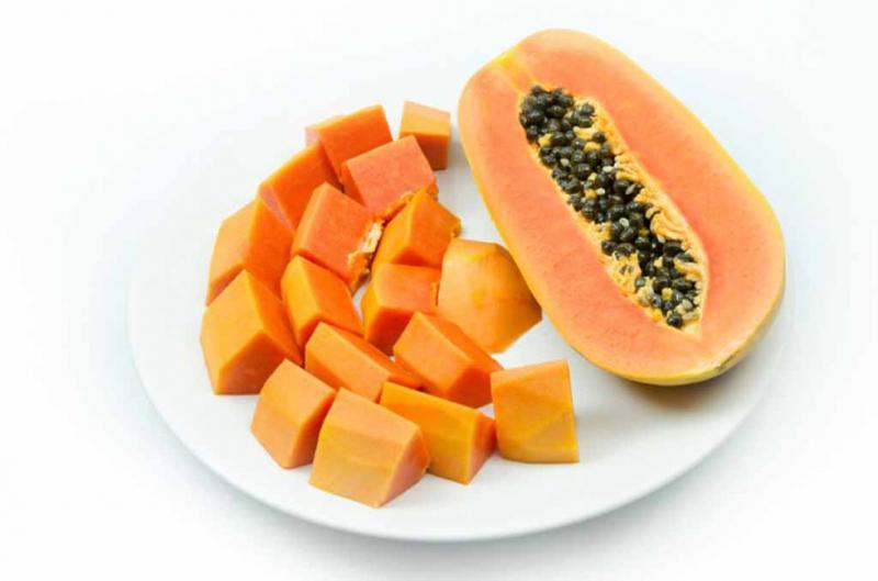 Đu đủ rất giàu vitamin C nên là 1 mỹ phẩm thiên nhiên rất tuyệt vời cho làn da.