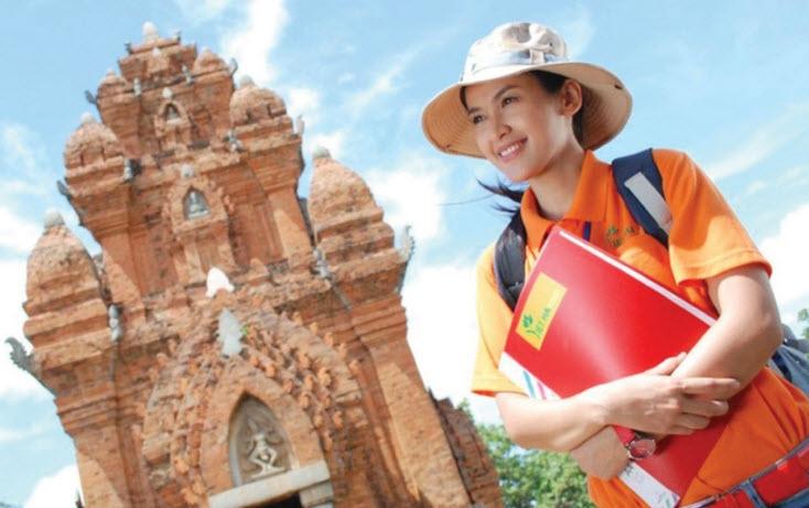 Hướng dẫn viên du lịch là ngành nghề thỏa mãn sở thích du lịch của rất nhiều bạn trẻ