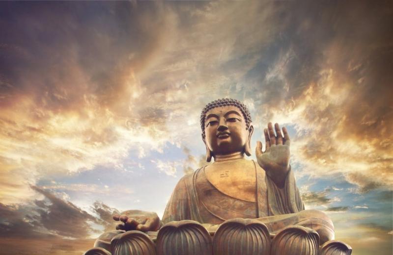 Các bức tranh về thần, thánh luôn được khuyên dùng trong việc gặp được nhiều quý nhân trong cuộc sống