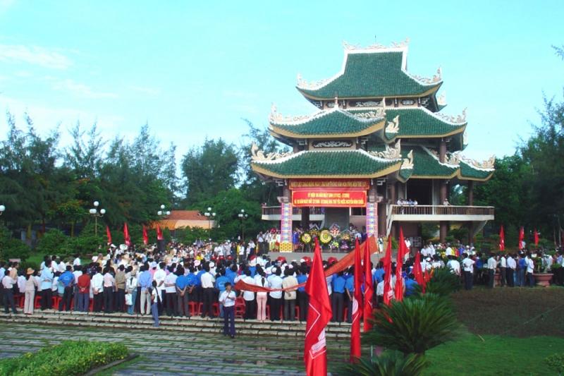 Du lịch tại chùa Tuyên Linh