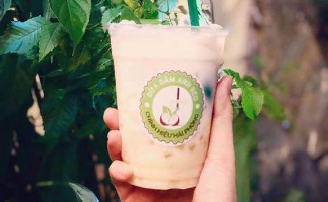 Cốc dừa dầm thơm ngon mát lịm