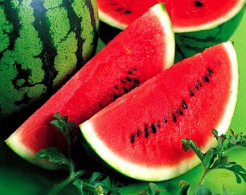 Dưa hấu giúp cơ thể giảm cholesterol, cải thiện chứa năng mạch máu và giảm nguy cơ đột quỵ