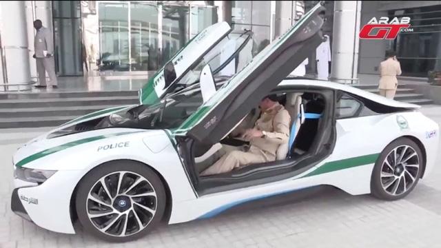 BMW i8 có giá lên đến 150.000 USD