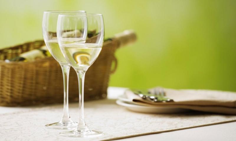 Việc sản xuất rượu vang bắt đầu từ thời La Mã