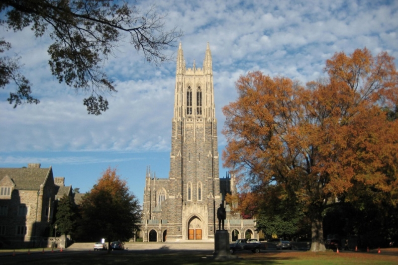 Duke University là trường đại học nghiên cứu tư thục được thành lập năm 1924 tại Durham, ở phía Bắc Carolina