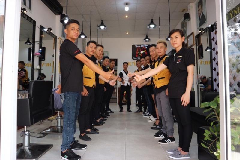 Salon tóc Huỳnh Minh đã chào đón hơn 200 học viên toàn quốc đến học tập