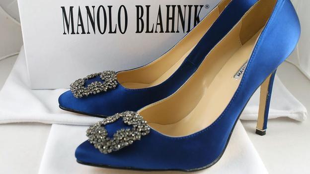 Sở hữu một đôi giày chính hãng là điều mà bạn nên làm, thay vì mua nhiều đôi giày rẻ