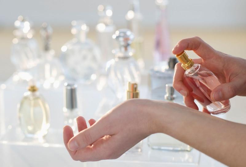 Mùi hương là bí quyết tạo nên sự quyến rũ khó cưỡng ở người phụ nữ
