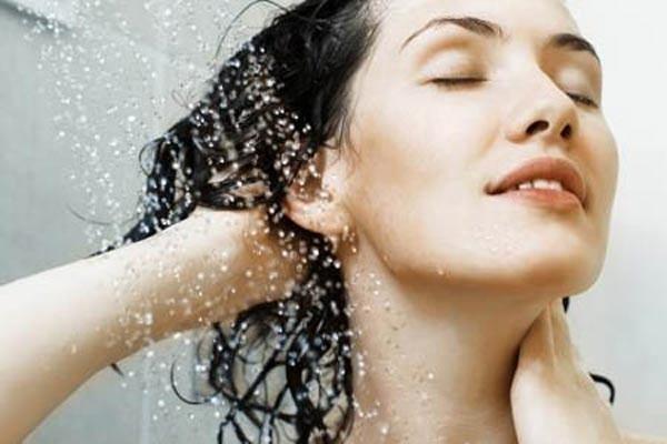 Tạo thói quen gội đầu bằng nước mát để mang lại lợi ích tốt nhất cho mái tóc của bạn