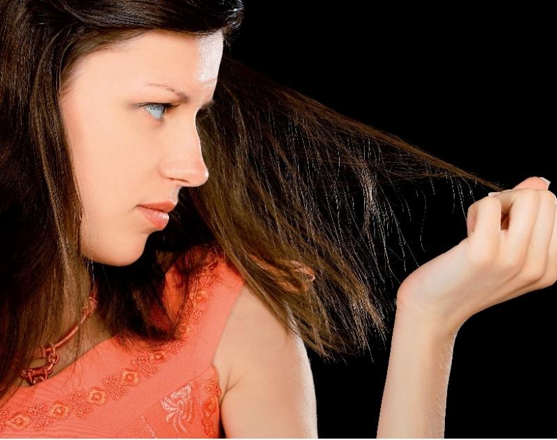 Dùng quá nhiều tinh dầu dưỡng cũng khiến tóc hư tổn