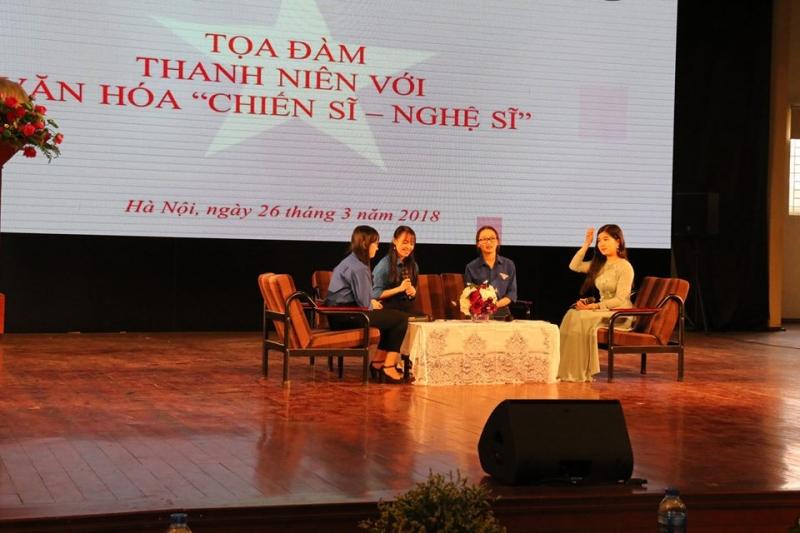 Sinh viên khoa Báo chí tổ chức Tọa đàm