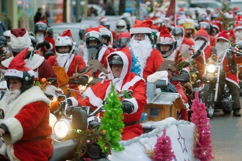 Đuổi theo ông già Noel ở Kussnacht (Thụy Sĩ)