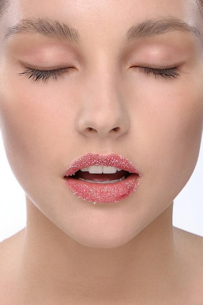Trị thâm môi