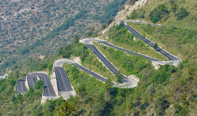 Đường cao tốc Halsema – Philippines vô cùng nguy hiểm bởi độ dốc cao