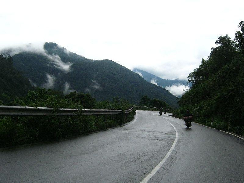 Đường đèo Bảo Lộc (Lâm Đồng)