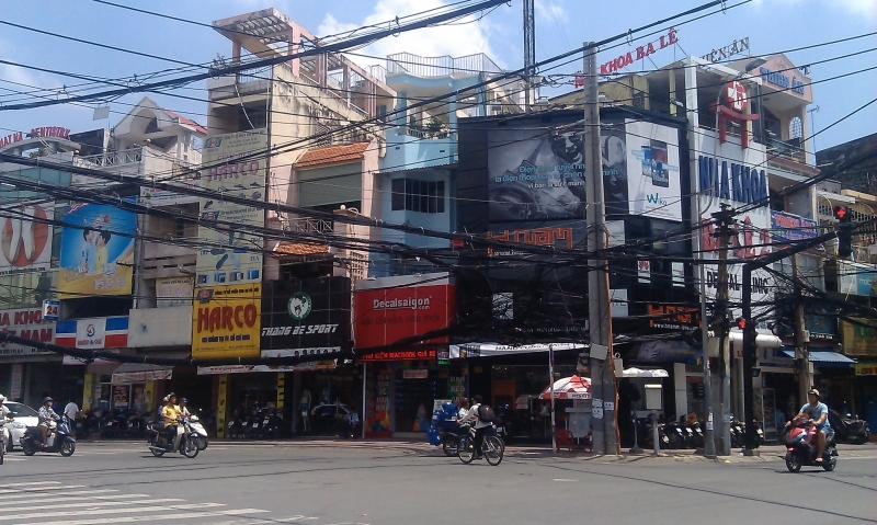Con đường mua sắm chất nhất Sài Gòn – Lê Văn Sỹ