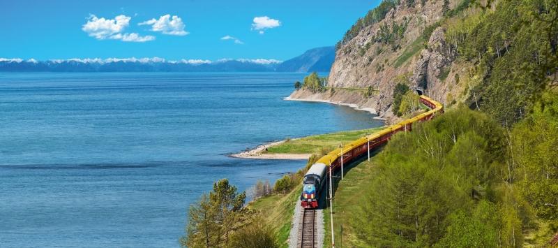 Tuyến đường sắt Siberia qua biển tuyệt đẹp