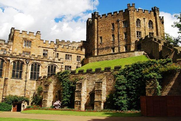 Durham University  được thành lập năm 1832 là một trường đại học ở thành phố Durham