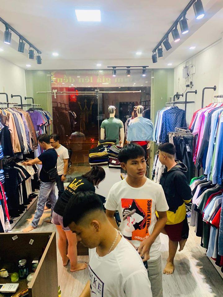 Không gian mua sắm tại Duy Nam Fashion
