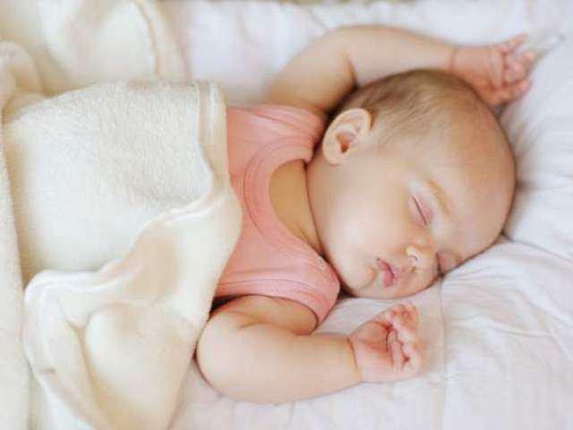 Nhiệt độ trong phòng cho trẻ sơ sinh tốt nhất nên duy trì ở mức 26-28 độ C