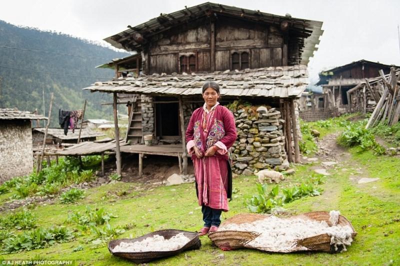 Bhutan có hai ngôn ngữ là Dzongkha và tiếng Anh.