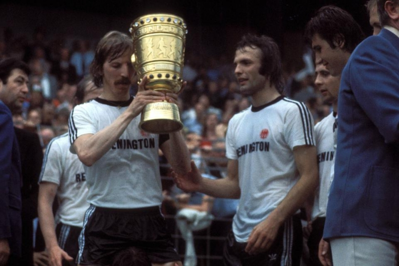 Eintracht Frankfurt  giành ngôi quán quân năm 1988