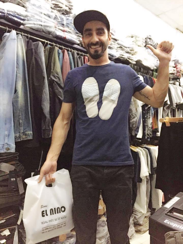Khách hàng mua sắm tại El Nino Store