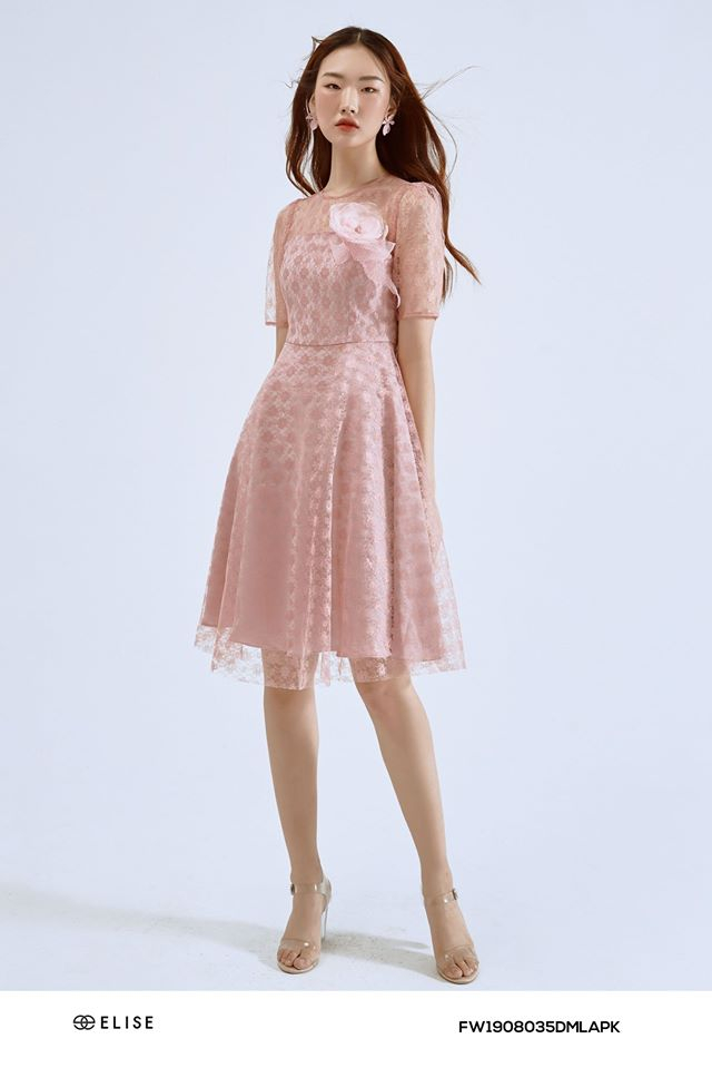 Trang phục nằm trong bộ sưu tập của Elise