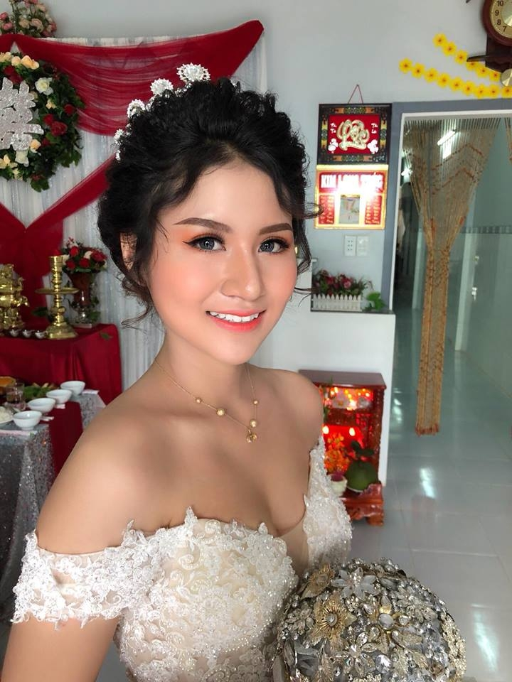 Elise Trương make Up