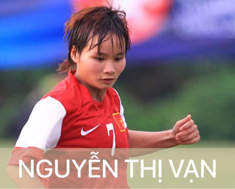 Nữ cầu thủ Nguyễn Thị Vạn