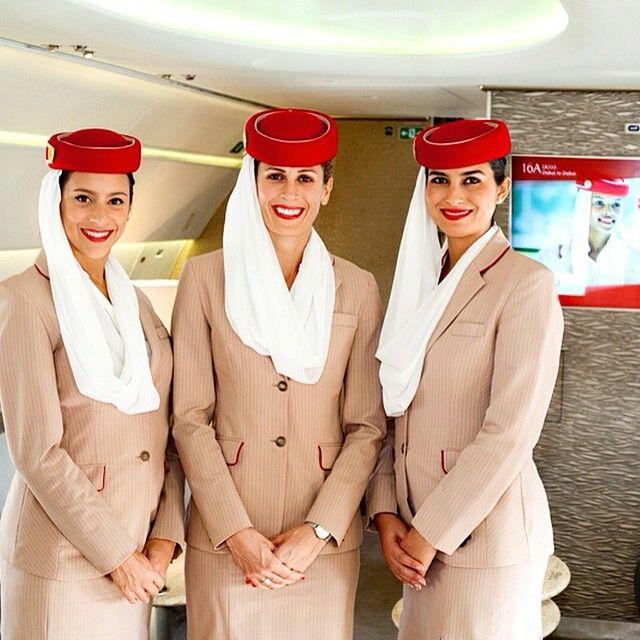 Tiếp viên Emirates