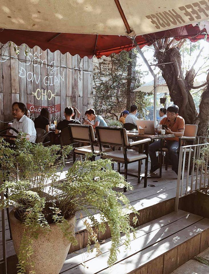 EMPI Coffee House