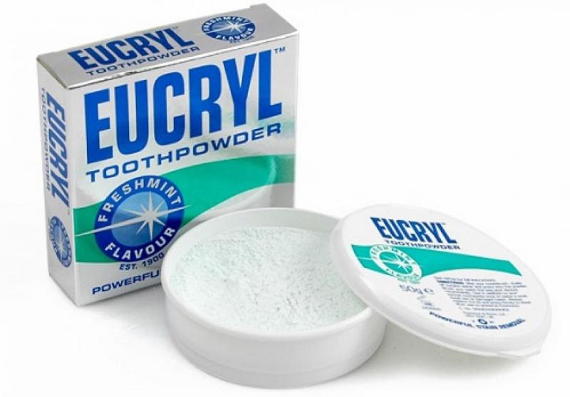 Bột tẩy trắng răng Eucryl Toothpowder sẽ là một người bạn đồng hành tuyệt vời trong quá trình lấy lại sự từ tin bằng nụ cười trắng sáng