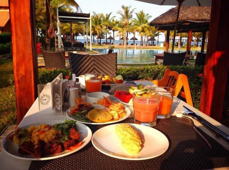 Thưởng thức bữa sáng siêu ngon tại Famiana chắc chắn là một trải nghiệm bạn không thể bỏ lỡ khi đến với resort đẹp ở Phú Quốc này