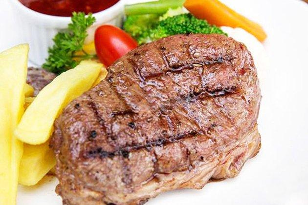 Family Steak House - Văn Cao