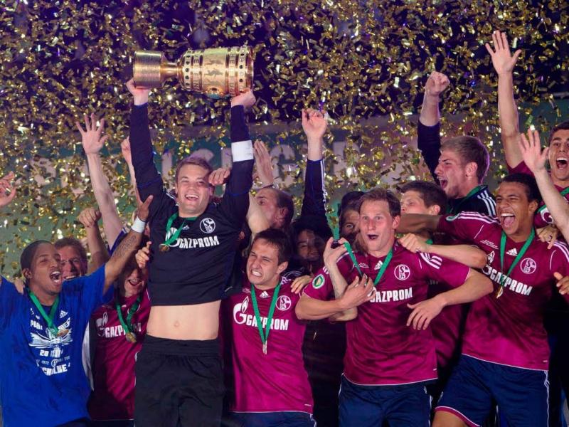 Schalke 04 lên ngôi năm 2011