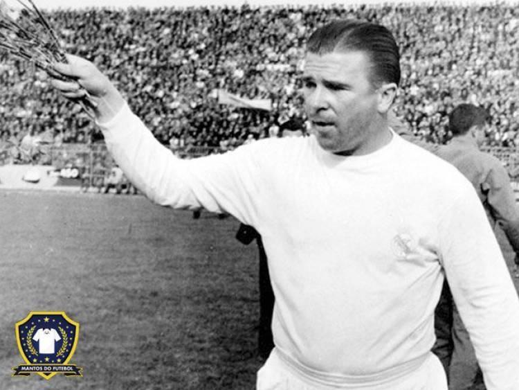 Ferenc Puskas trong màu áo Đội tuyển Hungary