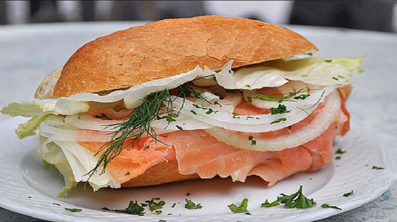 Bánh mì Fischbrotchen