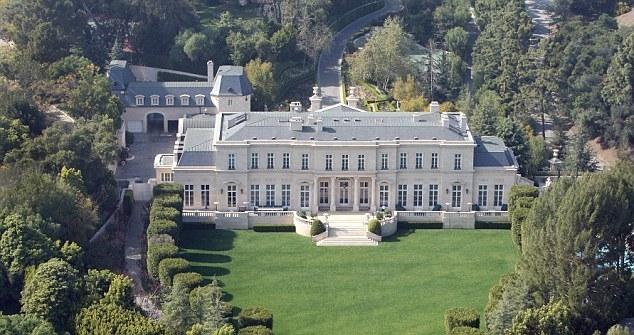 Biệt thự đắt tiền Fleur De Lys