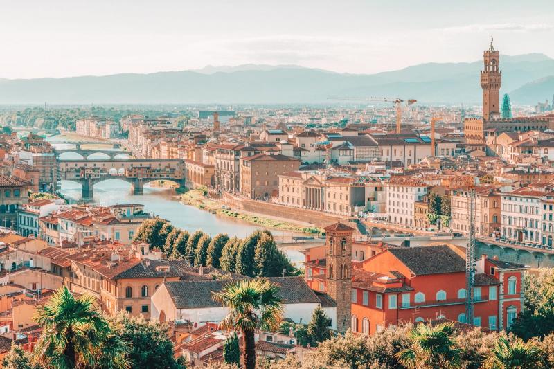 Florence là thủ phủ của vùng Tuscany và tỉnh Florence của Italia