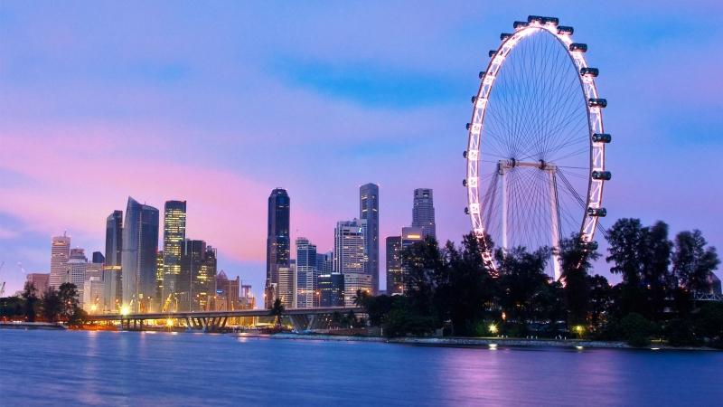 """Singapore Flyer rất nổi tiếng ở Singapore được biết tới với tên gọi là """"Bánh xe"""" đu quay khổng lồ."""