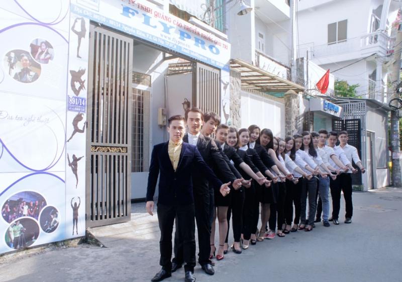 Flypro có đội ngũ nhân viên trẻ trung, chuyên nghiệp.